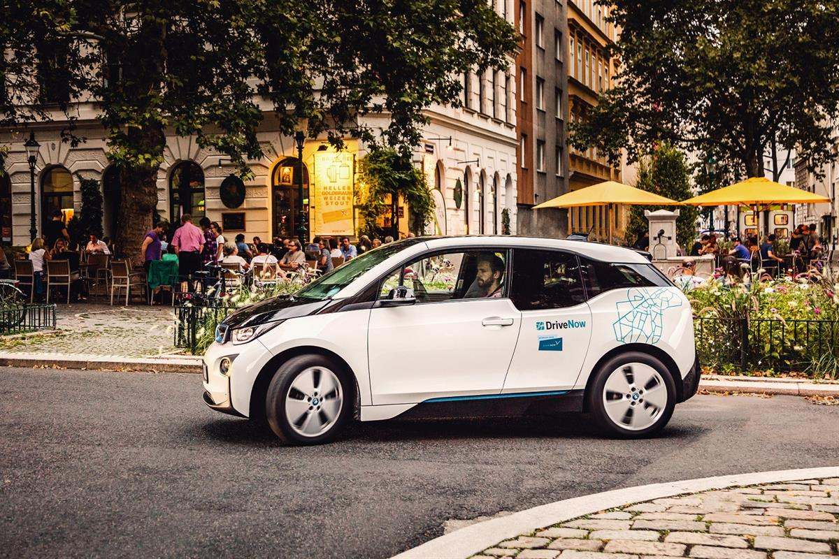 BMW I3 - SHARE NOW